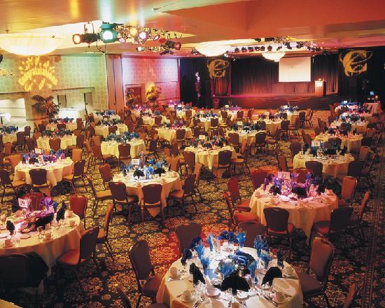 Circus Reno Mandalay Ballroom