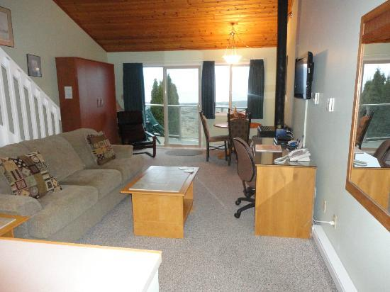 Shorewater Resort: View of main living space from entry hall.  Room 206.