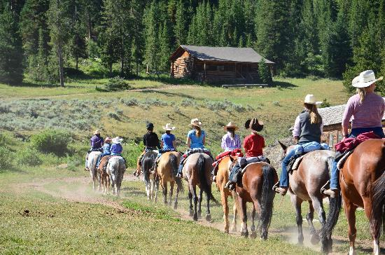 Elkhorn Ranch: The Peanuts  leave for a day of fun