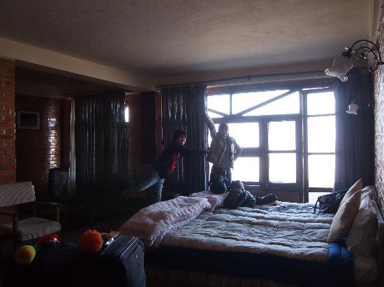 Niva Niwa Lodge: our room
