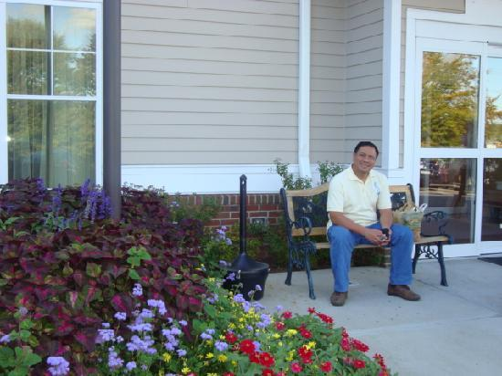 Residence Inn Newport Middletown: my hubby outside the Inn ;)