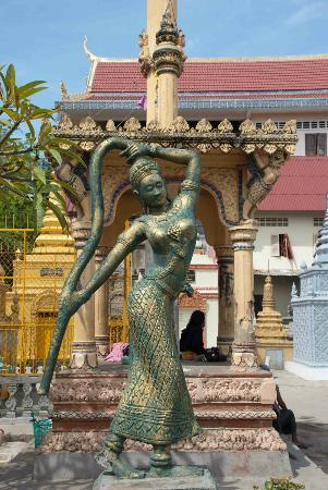 Figurine in Wat Sarawan