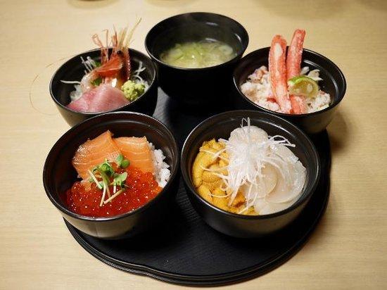 Donburichaya (Sapporo Shin-Nijoichiba): 丸鮮丼