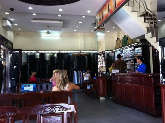 Kimmy Custom Tailor: Kimmy shopping area
