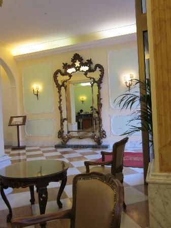 Hotel Aquila & Reale: Lobby