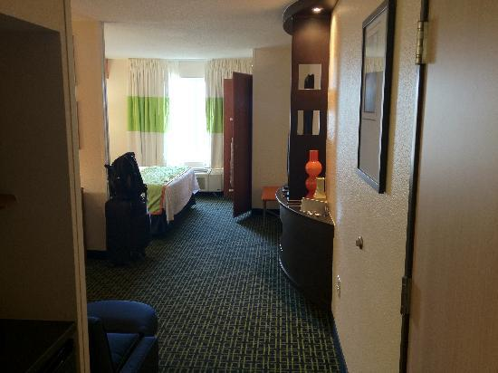 Fairfield Inn & Suites Kansas City Airport: Entrance