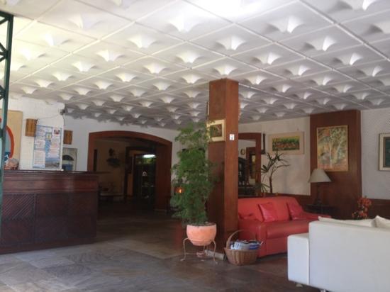 La Brise Hotel: recepção , tudo pode melhorar