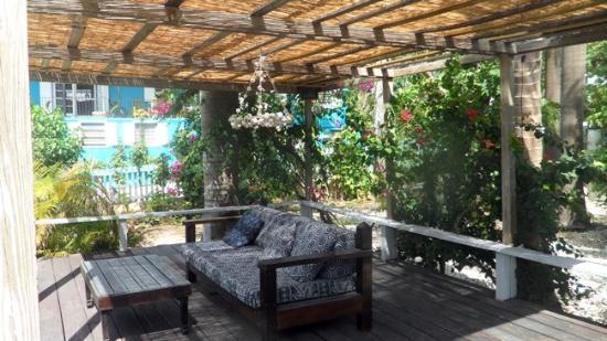 ذا لاندينج: Lounge area