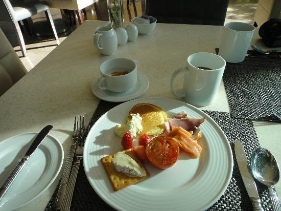New World Saigon Hotel: 朝の日差しあふれるレストラン