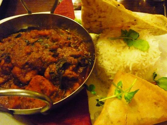 The Clough House: Spinach and sweet potato balti with homemade veggie samosas