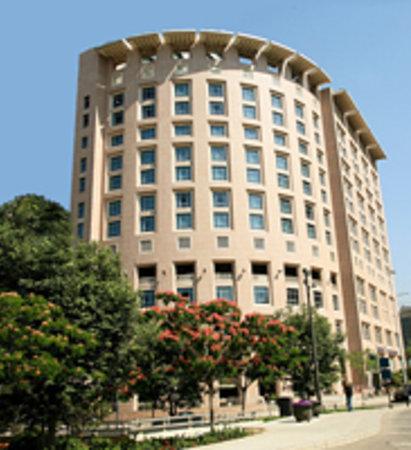 Monroe Hotel Beirut: Hotel Building