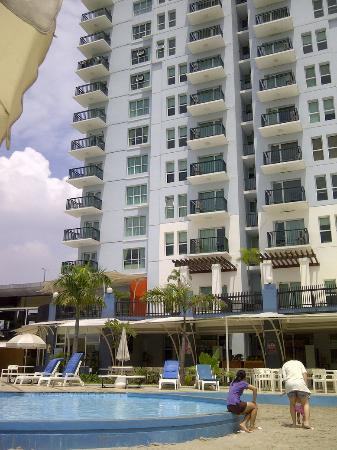Marbella Suites Bandung: building seen from the pool