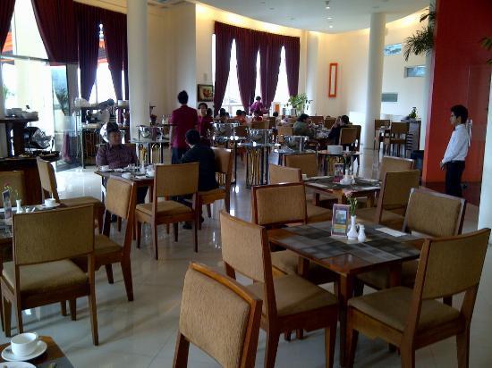 Marbella Suites Bandung: restaurant