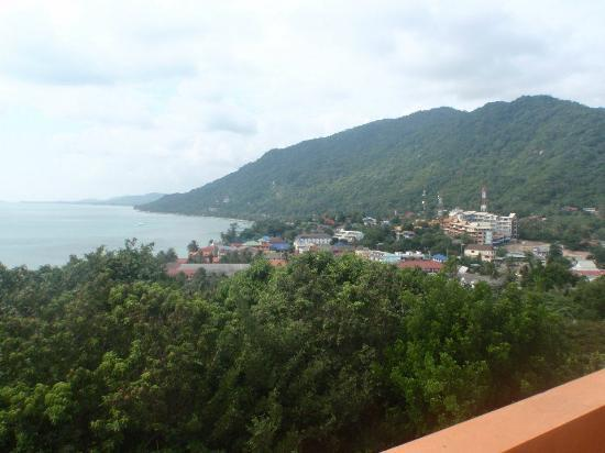 Sea Breeze Resort: View of haad rin town from penthouse