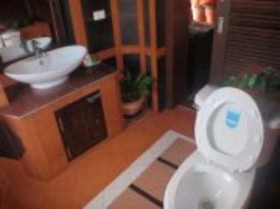 Sea Breeze Resort : Toilet room