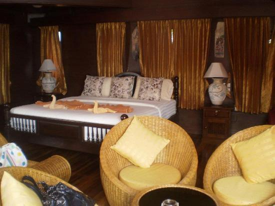 Sea Breeze Resort: Main part of the room in penthouse