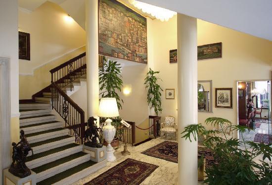 Majestic Hotel Toscanelli: Hall
