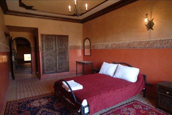 Hotel Lakasbah: chambre supérieure
