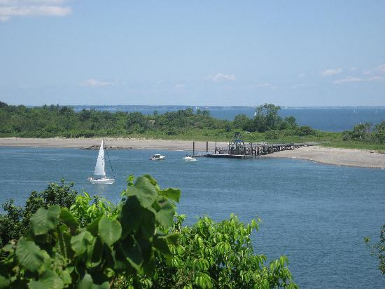 Boston Harbor Islands National Recreation Area : Vier from George's Island (Back Right of Island)
