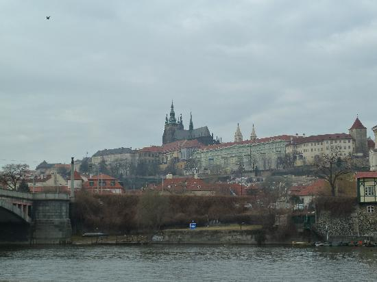 Hotel Hastal Prague Old Town: Prague Castle from the river