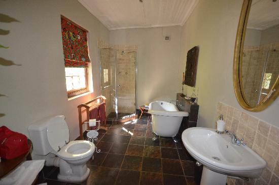 Augusta de Mist Country House: salle de bain