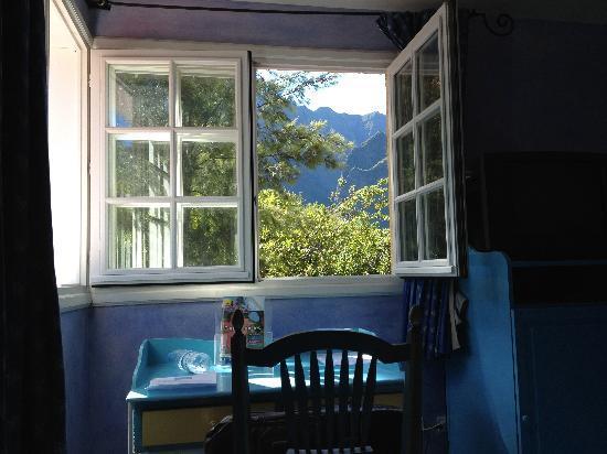 Hôtel Le Cilaos : View from bedroom window