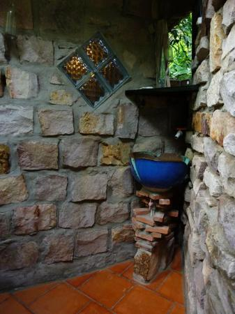 Freedomland Phu Quoc Resort: Treehouse washbasin