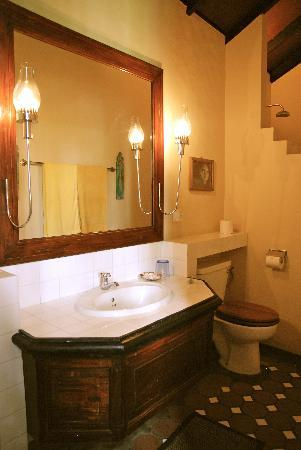 Casa Siena: bathroom