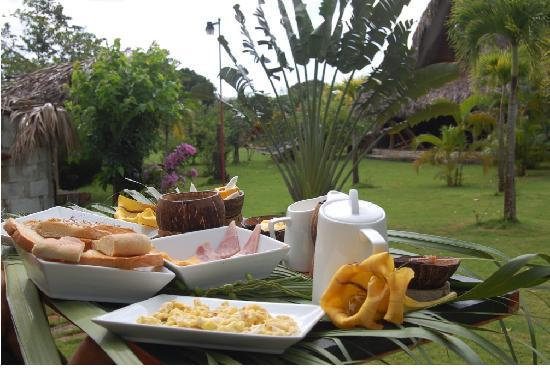 Chalet Tropical Village: Original Dominican Breakfast