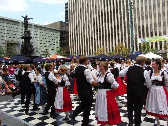 Cincinnati, OH : Oktoberfest Zinzinnati USA
