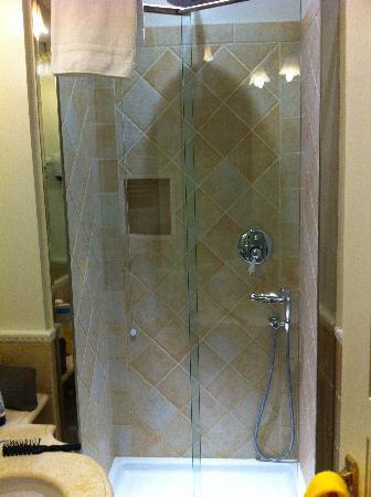 Giardino Segreto: Cabina doccia