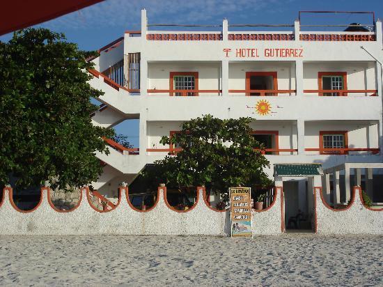 Hotel Gutierrez: front