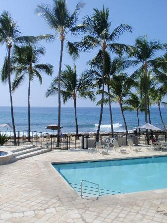 Aston Kona by the Sea: The view from the lanai
