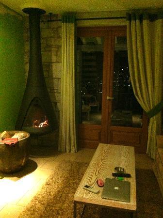 Mikros Vorias small luxury suites : our suite