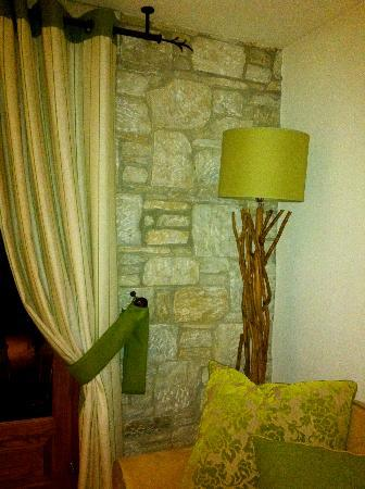 Mikros Vorias small luxury suites : detail