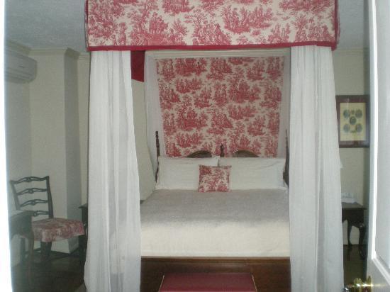 The Inn at Montross : The Stratford Room