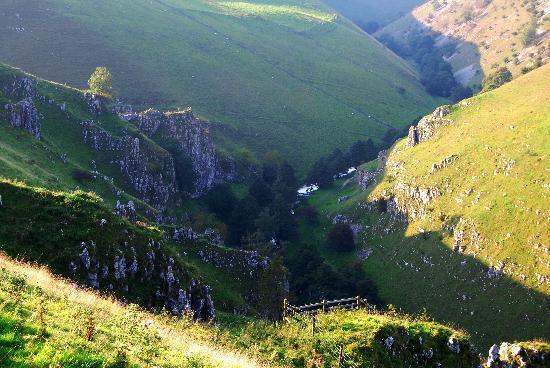Peak District Spa: Walk into Wolfscote Dale