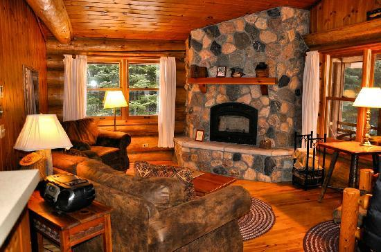 Bearskin Lodge: Cabin 9