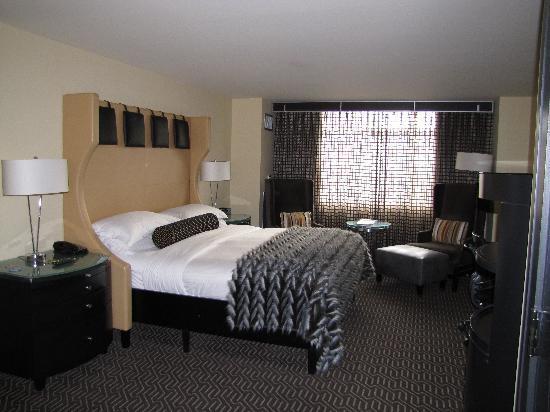 Kimpton Nine Zero Hotel: King Deluxe Room