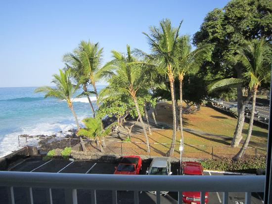 Kona Magic Sands: View of Pahoehoe Park to the right from room