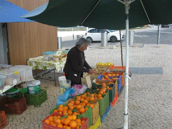 Praia Da Rocha: Sweet and juicy oranges