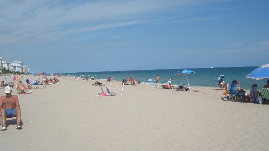 Beachside Village Resort: Very nice beach just across the street from BVR