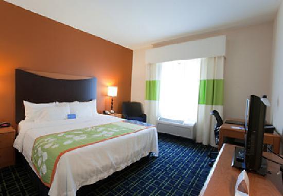 Fairfield Inn & Suites Houston Conroe Near The Woodlands® : King Room