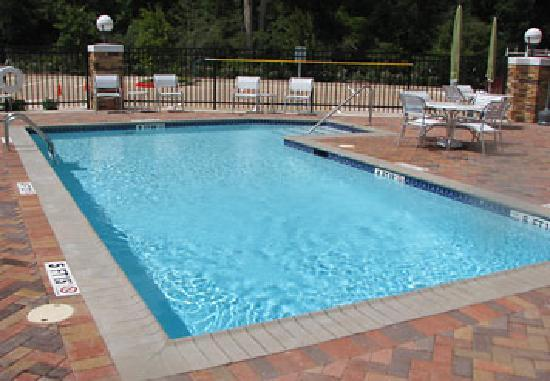 Fairfield Inn & Suites Houston Conroe Near The Woodlands®: Outdoor Pool
