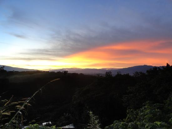 Pura Vida Retreat & Spa: Sunrise in paradise