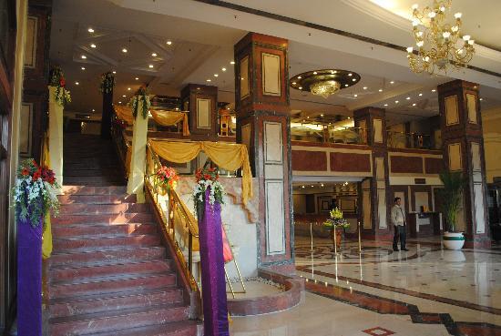 Hotel Marina : Entrance & Reception