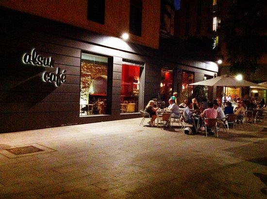 Alsur cafe barcelona plaza de sant cugat 1 el born for Hoteles en el born de barcelona