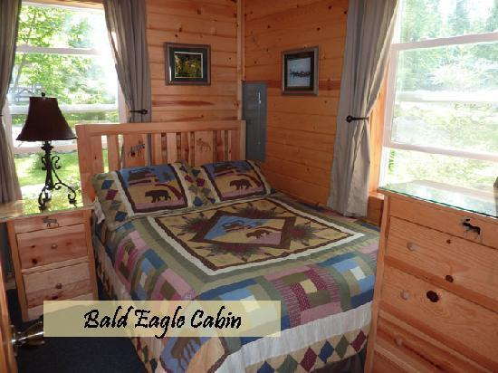 Moose Track Adventures: Lakeside cabins only 7 miles outside Ely MN
