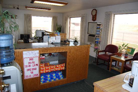 Budget Host Exit 254 Inn: Lobby Area