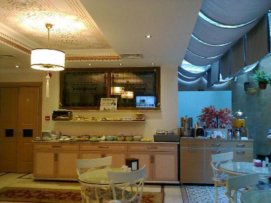 Sultans Royal Hotel: Colazione